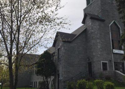Pose de Toiture en bardeaux d'asphalte pour Église à Montréal - Toiture Laurentides