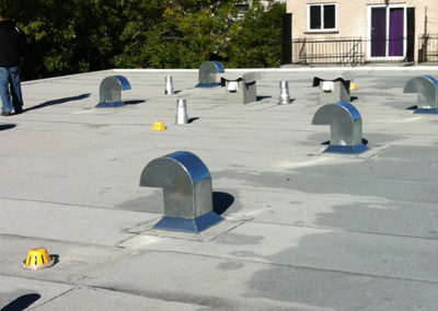 Pose de ventilation toiture à Montréal - Toiture Laurentides