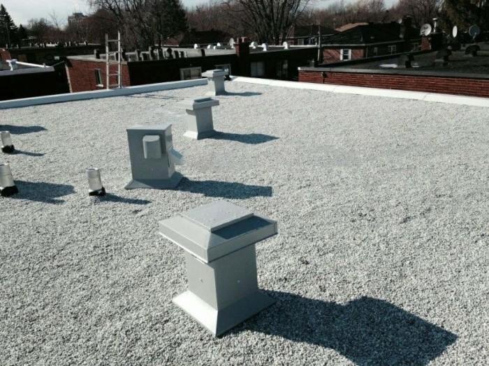 Pose de toiture asphalte et gravier à Montréal / Toiture Laurentides